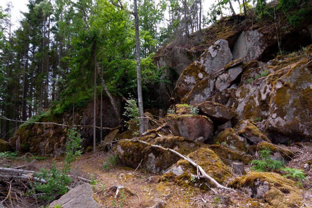 Husberget där Ola Sonas grotta ligger