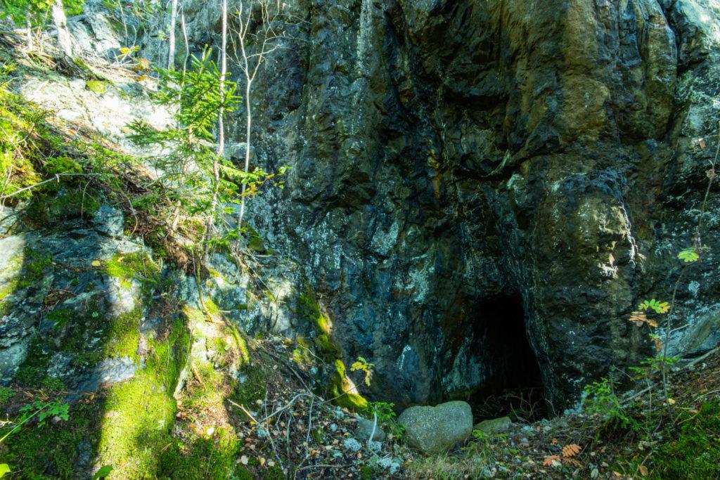 Ingången till Stollgången vid Äsprilla koppargruva